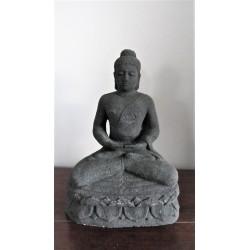 Statue de Bouddha en pierre de lave