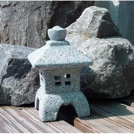Lanterne Japonaise encéramique. Couleur grise, hauteur 17cm. Modèle B.
