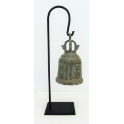 Cloche en bronze sur support
