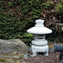 Lanterne en granit sakura